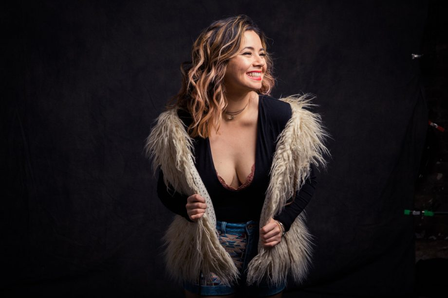 Pamela Flores, Singer/Songwriter