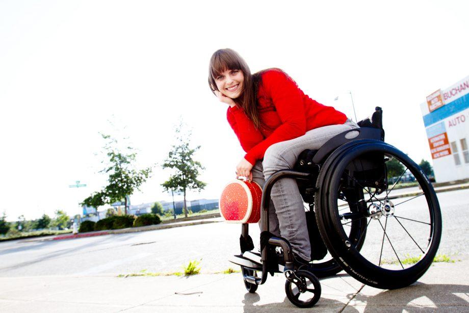Ashley Lyn Olson – Founder of wheelchairtraveling.com